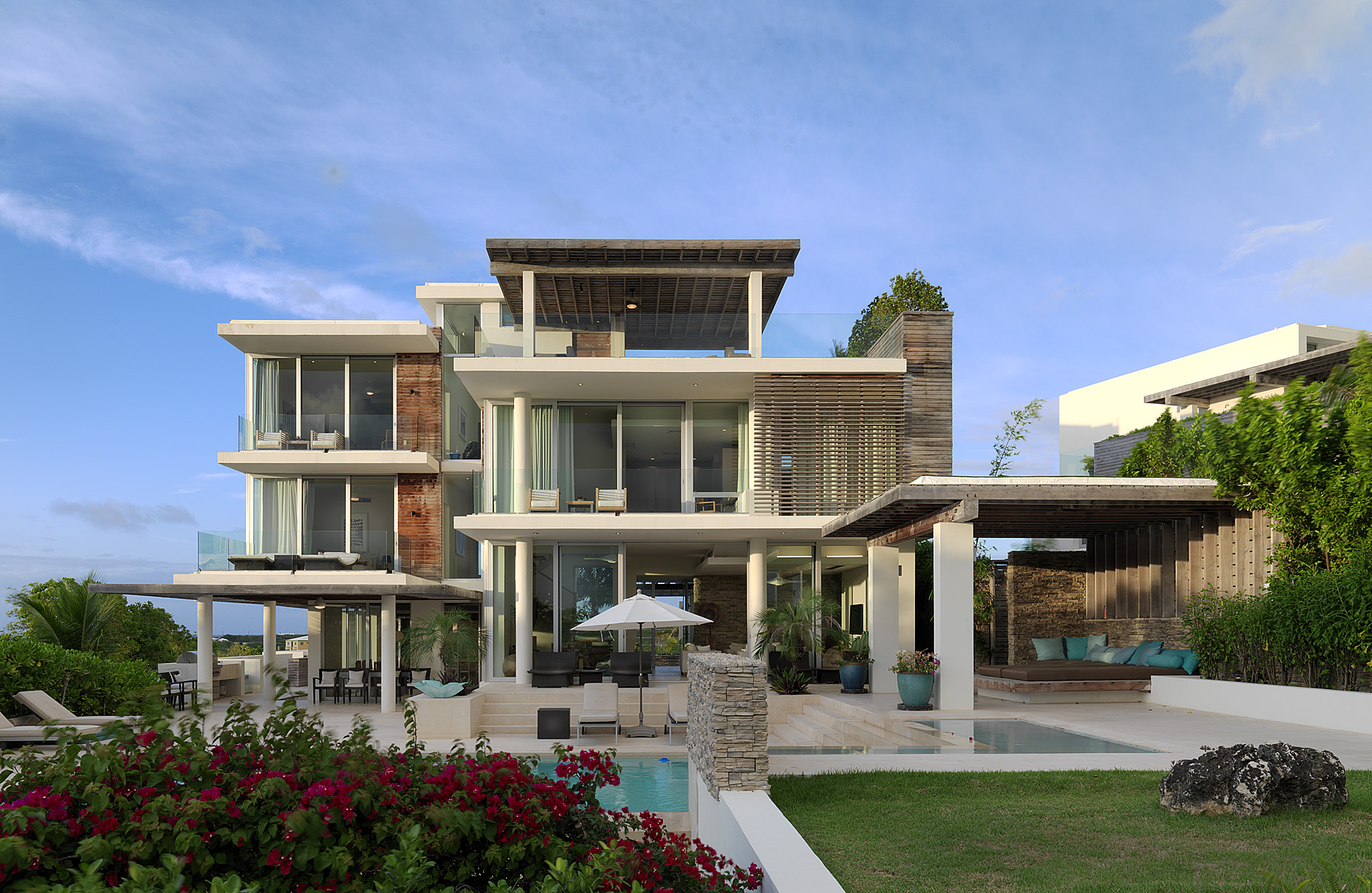 2 modern caribbean seaside house 1852 1205 for Caribbean house designs