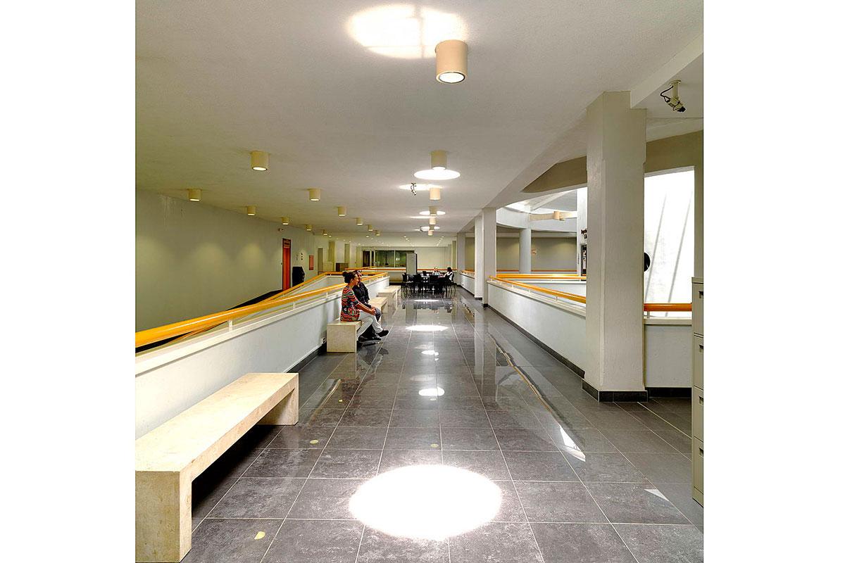 4-uwi-graduate-school-interior-gillespie-and-partners
