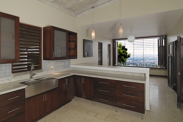 Kitchen and breakfast room with a view over Kingston