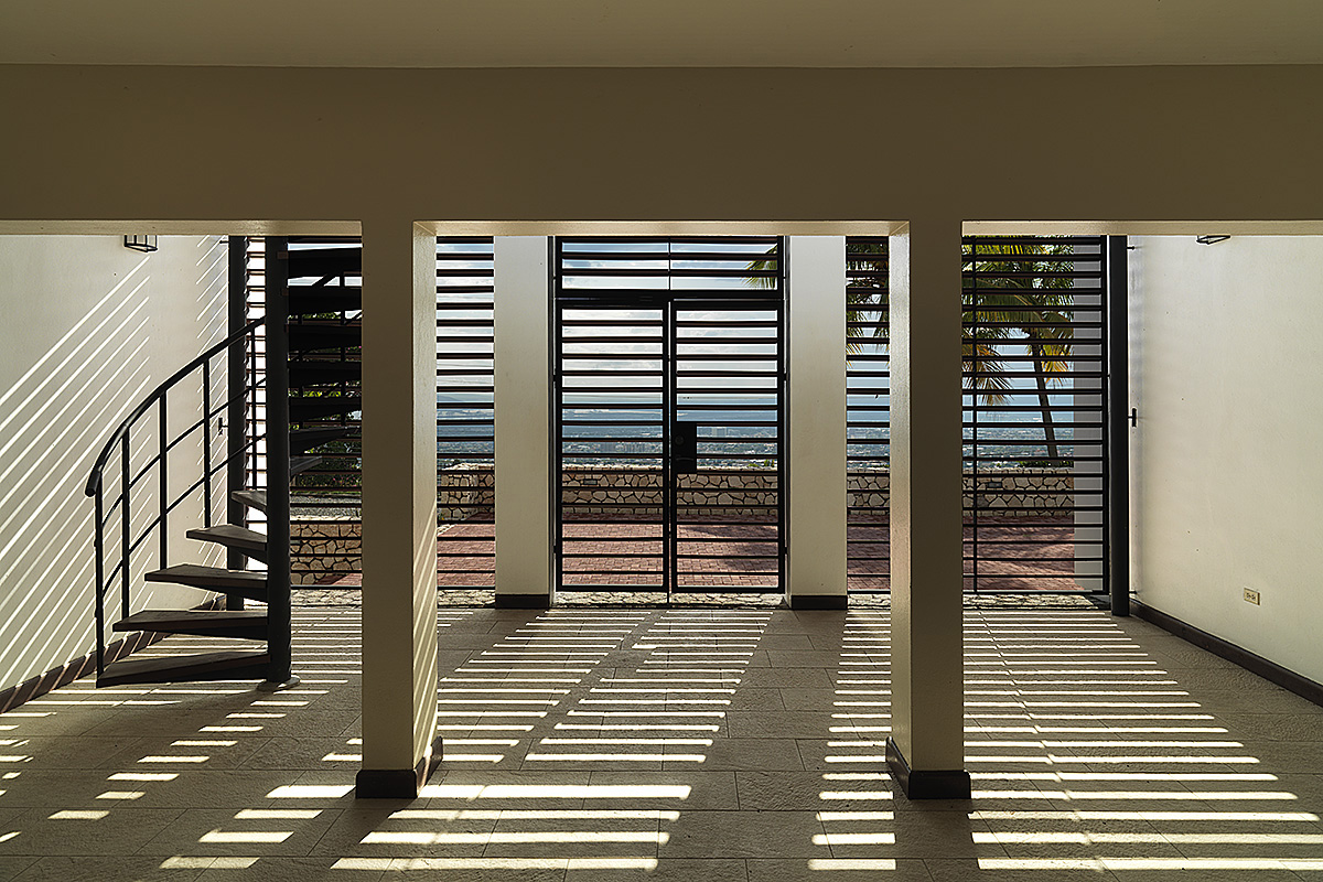 kingston-lobby-louver-sunshading-03