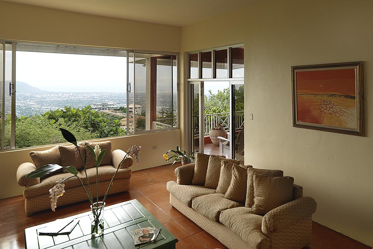 hillside-residence-sitting-room-overlooking-kingston-4