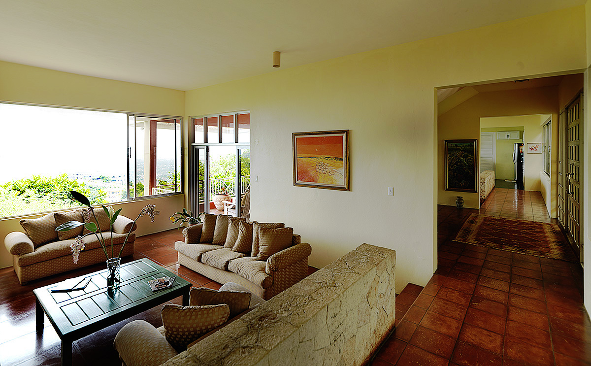 hillside-residence-sitting-room-overlooking-kingston-4