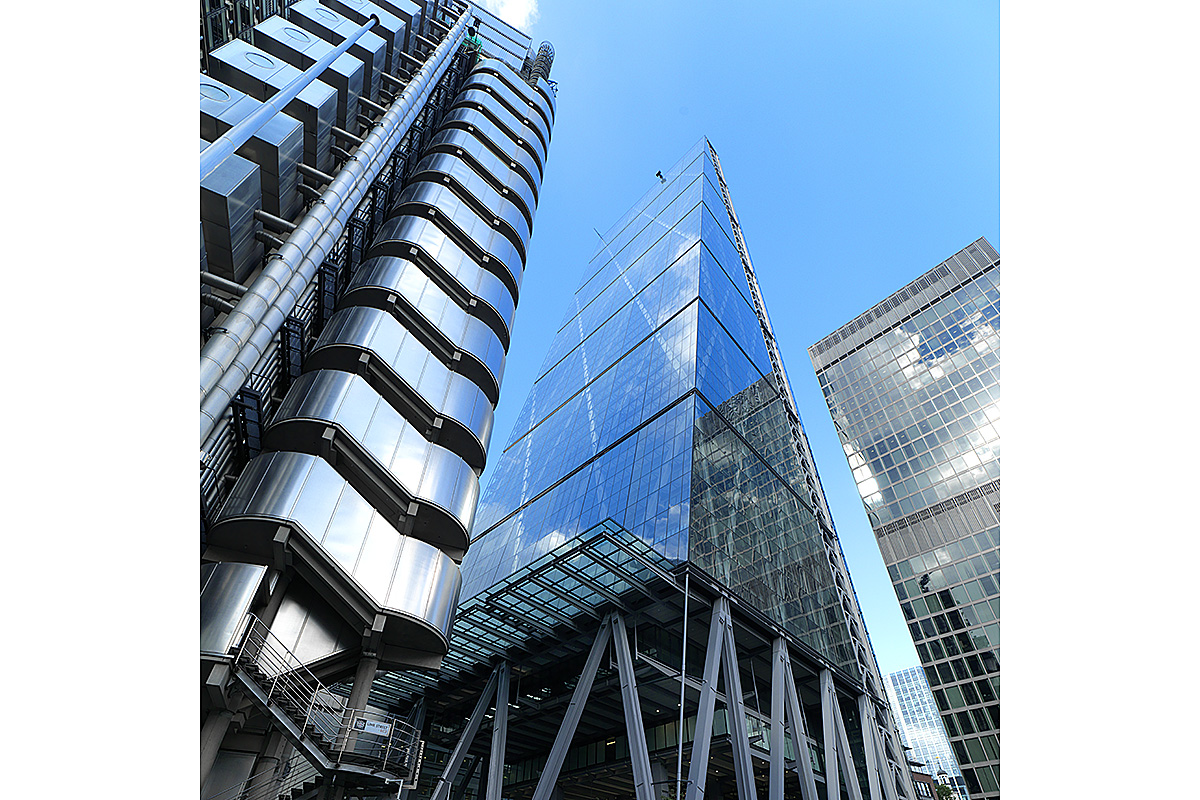 06_lloyds-cheese-grater-london_0164