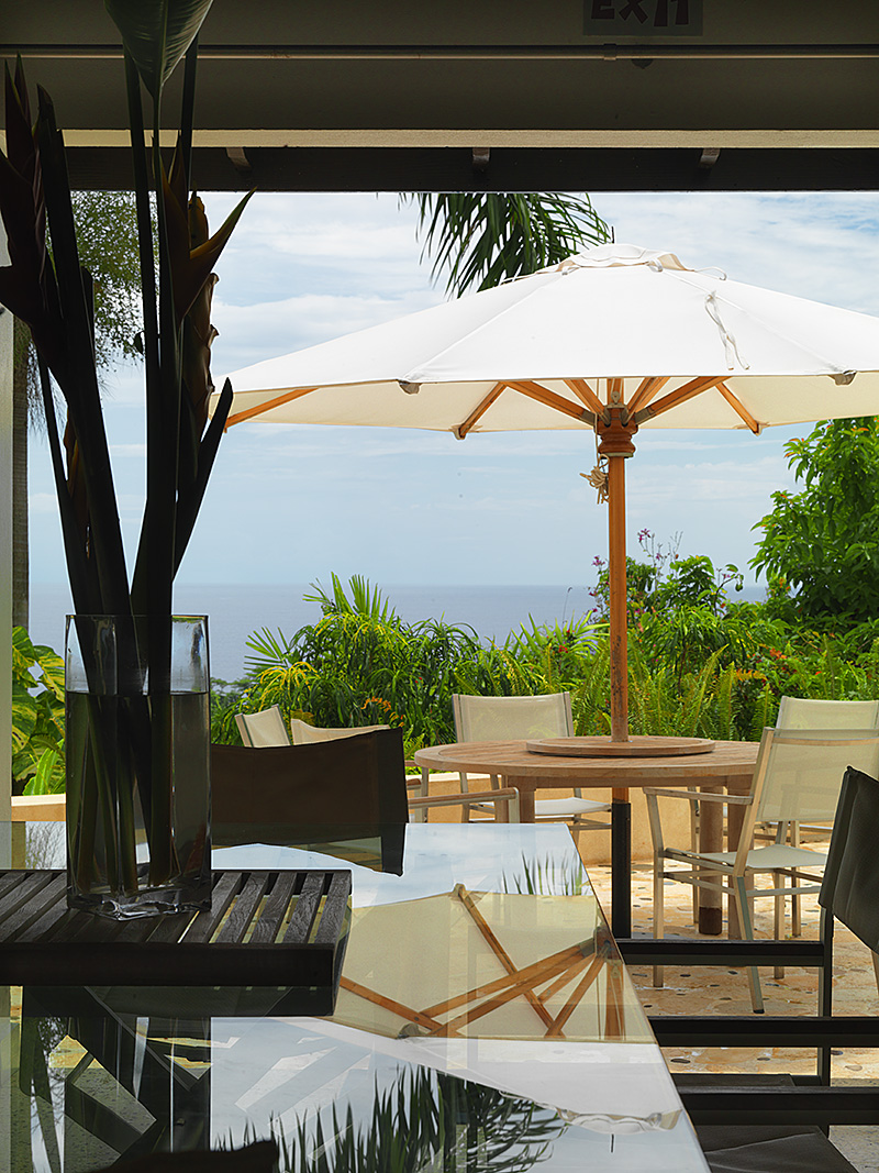 Sanwood private patio umbrella with view over the Caribbean