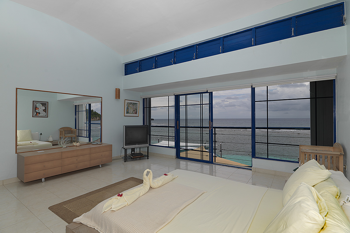 caribbean-seaside-villa-bedroom