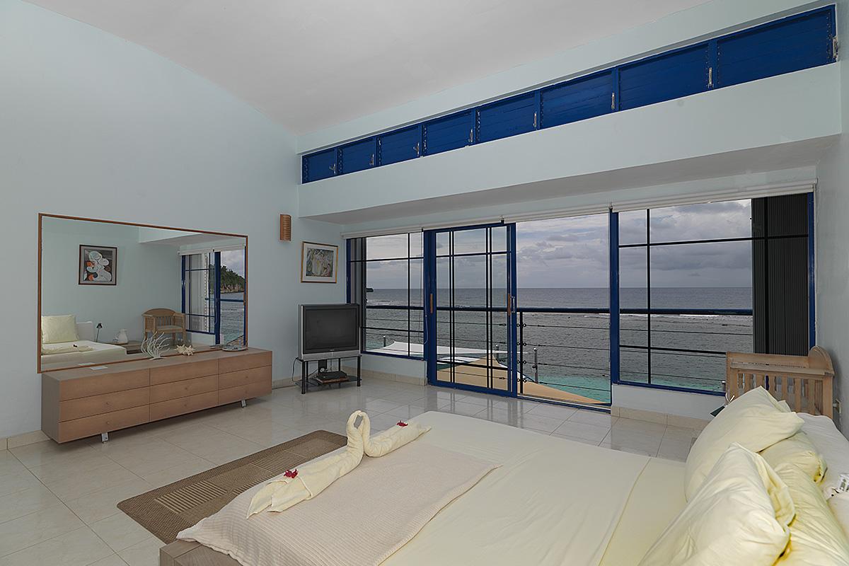 caribbean-seaside-villa-bedroom