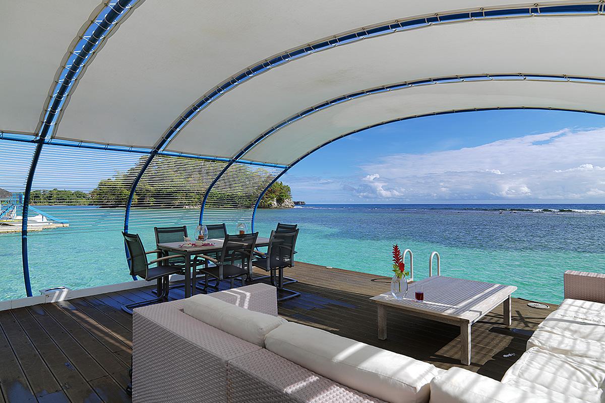 caribbean-seaside-villa-sunshade