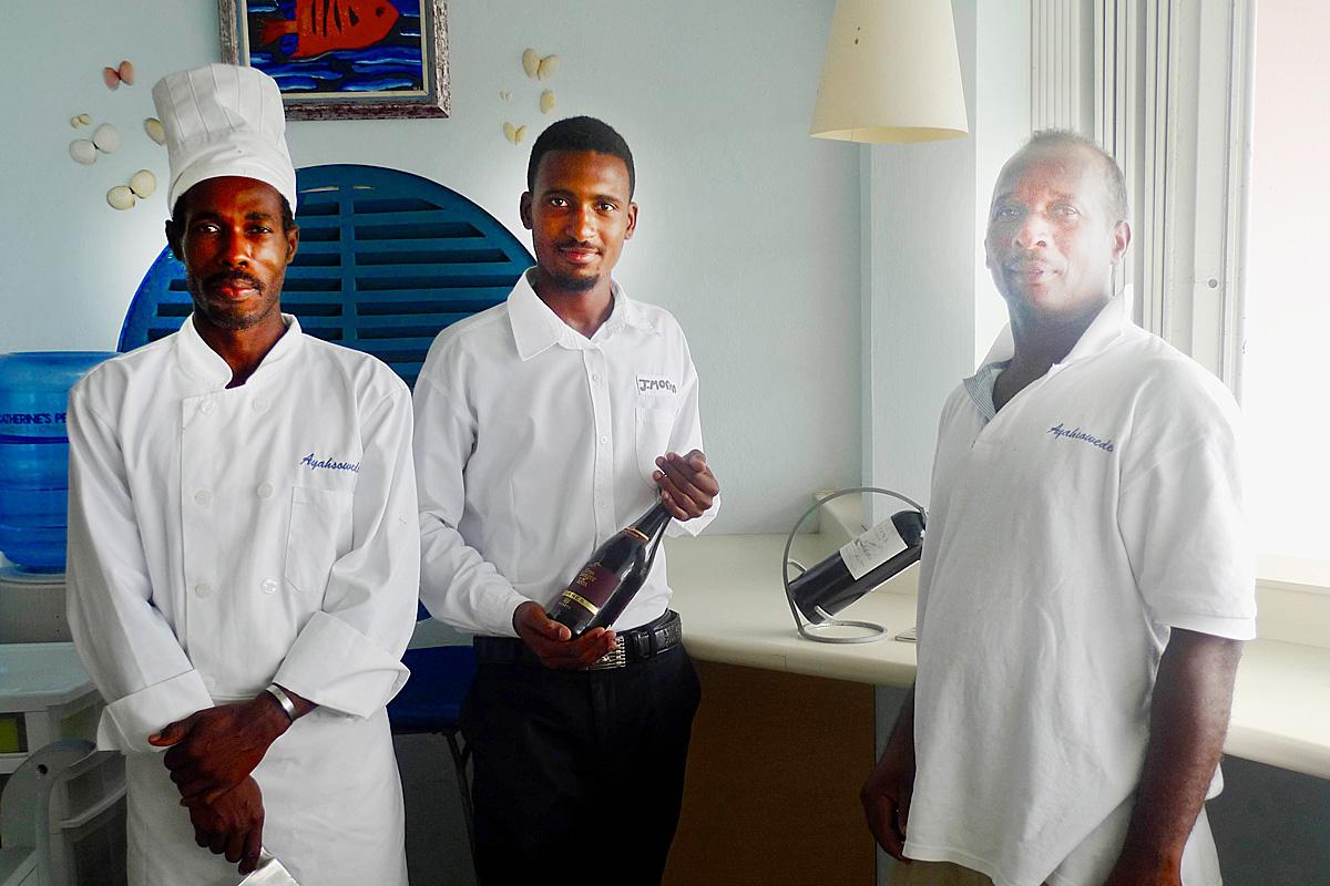 caribbean-seaside-villa-staff