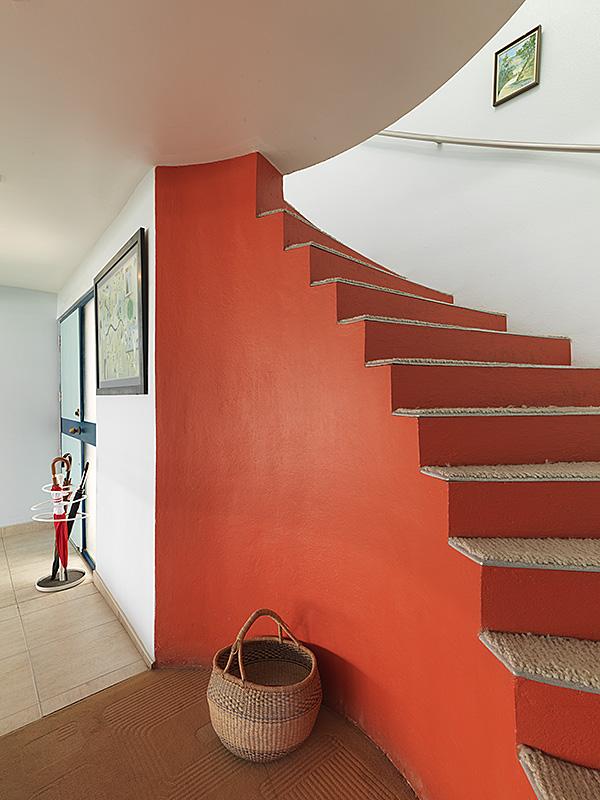 caribbean-villa-ayahsowedeh-staircase