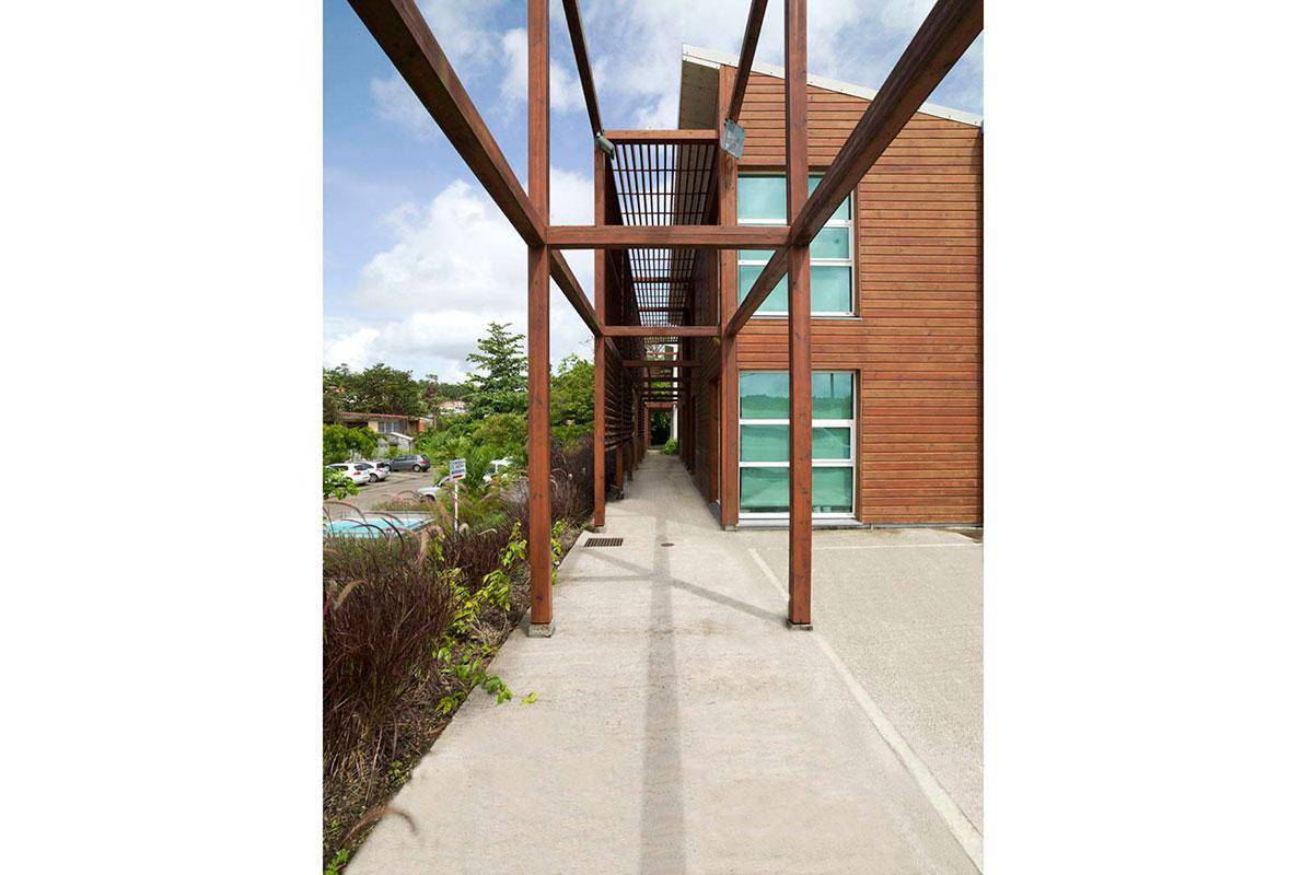 2-wood-lattice-exterior-corridor