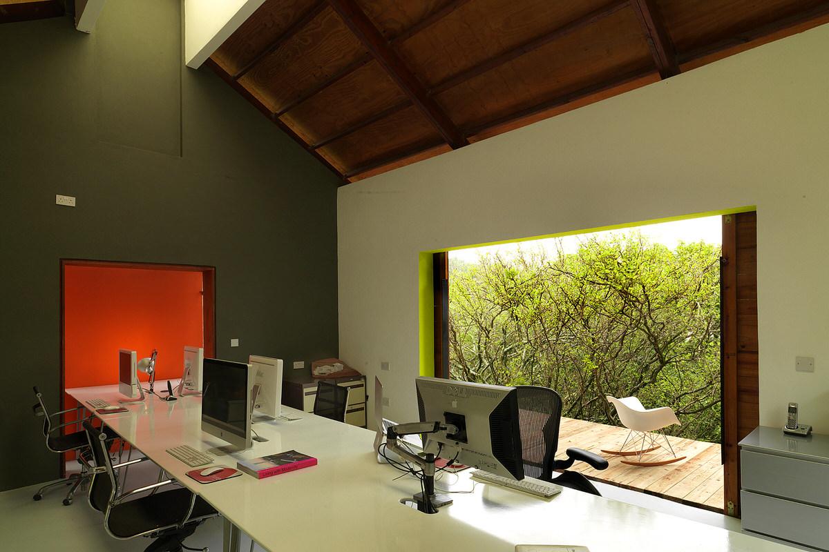 4-caribbean-open-modern-architect-studio-office-interior