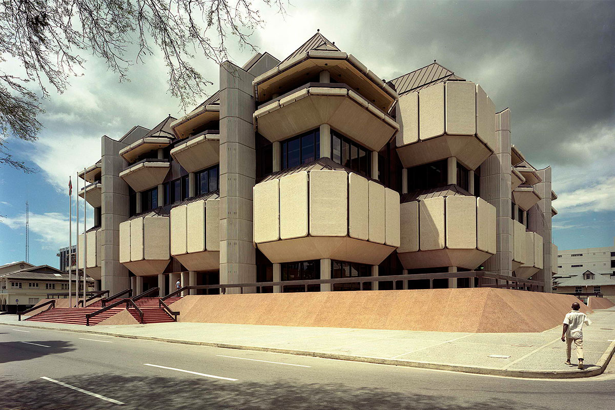 halls-of-justice-aclaworks-exterior