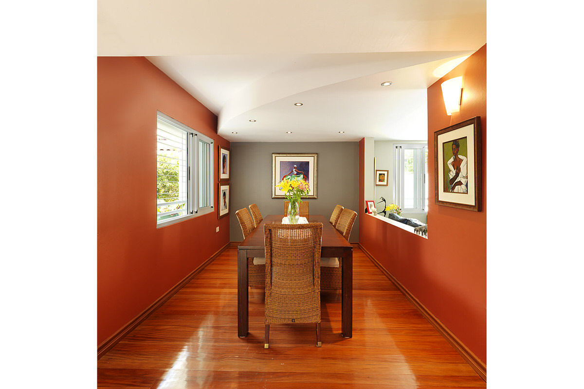 5-modern-caribbean-home-roger-turton-dining-room-wood-floor