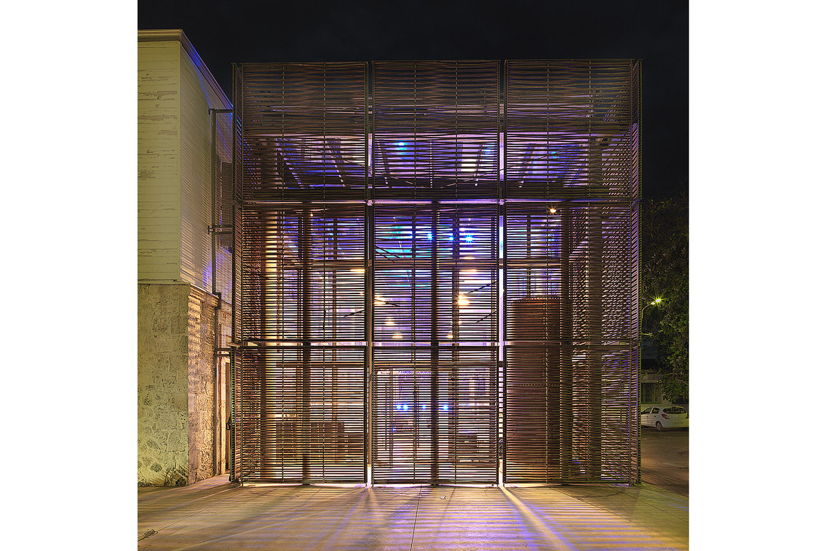 2.HQ Communante_0086-modern-wood-screen-exterior