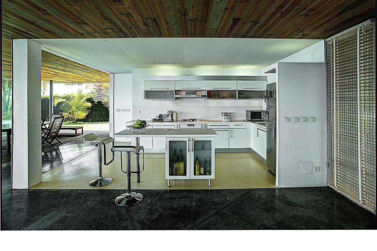 4-rogers-house-modern-open-caribbean-kitchen