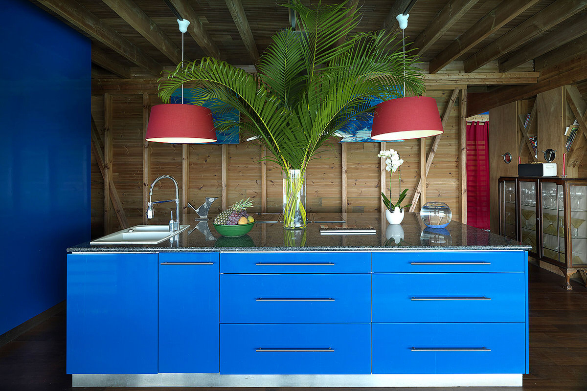 5.SeeSeaBlue_kitchen-island-counter