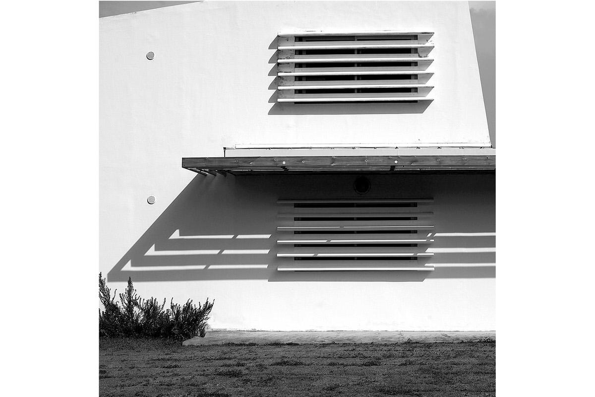 6-rogers-house_modern-window-shade-detail
